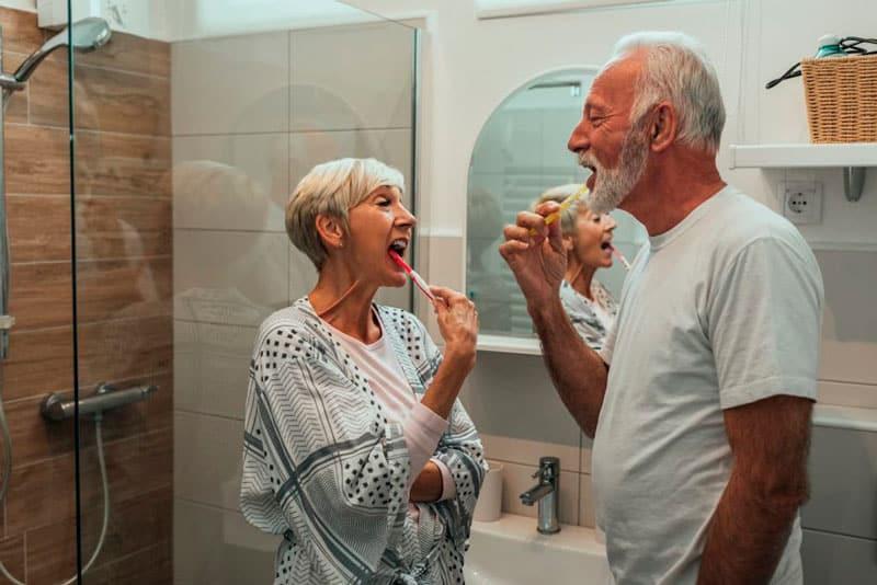 adaptar un baño a personas mayores